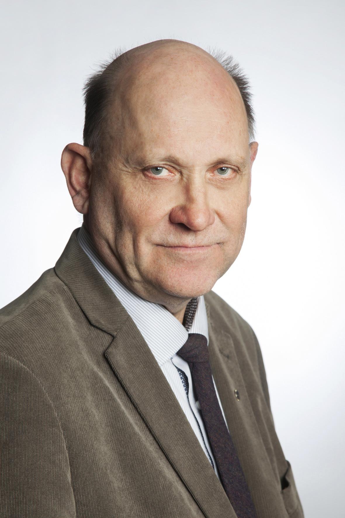 Timo Kirkko-Jaakkola : toimitusjohtaja, varatuomari, kaupanvahvistaja