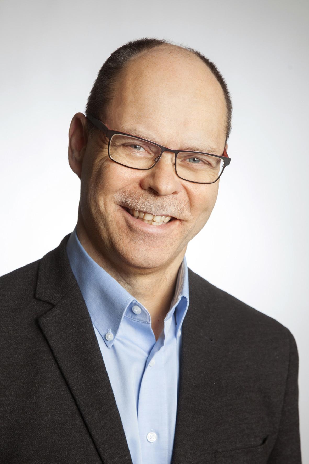 Olli Välimäki : KTT, lakiekonomi, kaupanvahvistaja