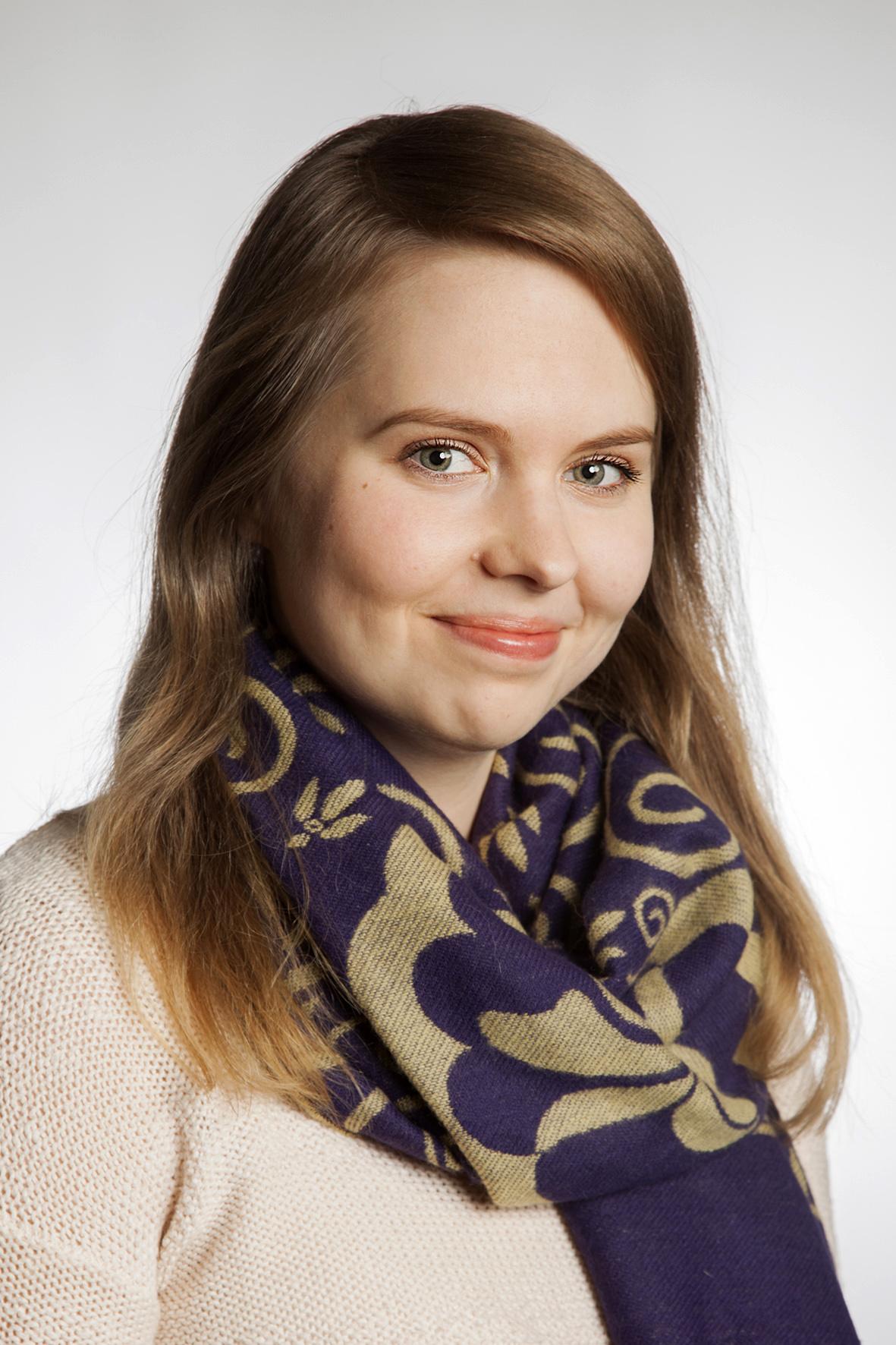 Johanna Vuorenkilpi : kiinteistösihteeri (äitiyslomalla)